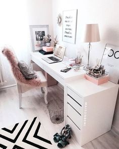 Comfy evening to all! 🥰 office girly stylish interior design decor decoration home interior home office study space uni college aesthetic cute pink – Dorm Room Cozy Home Office, Home Office Space, Home Office Design, Home Office Decor, Home Decor, Small Office Decor, White Desk Office, Apartment Office, Office Chic
