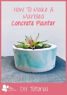Learn how to make this easy marbled cement planter! A step by step tutorial and video for making this great DIY planter idea. Diy Cement Planters, Diy Planters Outdoor, Cement Crafts, Concrete Projects, Planter Pots, Outdoor Decor, Concrete Sculpture, Painting Concrete, Diy Garden Projects
