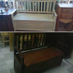 Nosotros también tintamos y lacamos todos nuestros muebles como este #banco #rústico con #Baul tintado en Nogal (238,90) y lacado en crema envejecido (253,90) #hogar #decoración #muebles #interior