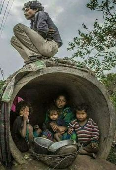 Ideas Poor Children Photography Life Faces For 2019 Poverty Photography, People Photography, Life Photography, Children Photography, Poor Children, Save The Children, Precious Children, Beautiful Children, Kids Around The World