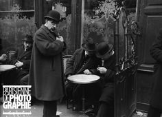 Diamantaires à une terrasse de café, rue Lafayette. Paris, 1926