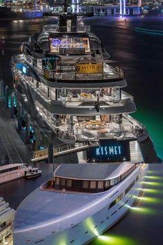 Yachting Club, Motor Yacht, Spaceship, Sci Fi, Luxury Yachts, Mykonos, Vip, Space Ship, Science Fiction