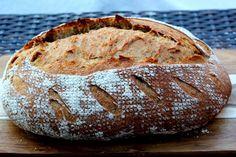 Vadkovászsuli: Rozskovászos fehér kenyér,alaprecept fázisfotókkal... Tortillas, Baguette, Baked Potato, Bakery, Food And Drink, Pie, Favorite Recipes, Bread, Meals