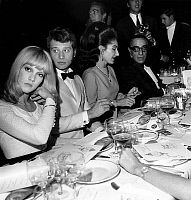 EVGENIA GL LIDO PARIS OHNNY HALLYDAY AND SYLVIE VARTAN WITH ONASSIS Johnny Hallyday and Sylvie Vartan seated with Maria Callas and Aristotle Onassis at Lido show december 21, 1966, Paris. Full credit: AGIP - Rue des Archives / Granger, NYC -- All rights reserved.