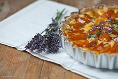 Aprikosen Tarte mit Lavendel und Thymian