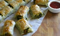Pumpkin, spinach and feta rolls. Perfect for a tasty, kid-friendly dinner.