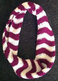 cozy-sweet | Chevron Stripes Infinity Scarf