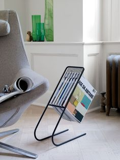 A clever and new approach to a magazine rack. Float Magazine Rack | Designed by J-Me