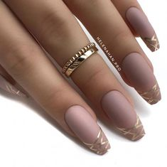 >>>Cheap Sale OFF! >>>Visit>> Beautiful nude pink matte coffin nails with gold striping tape on the tips by Helena Han Ugly Duckling Nails page is dedicated to promoting quality inspirational nails created by International Nail Artists Trendy Nails, Cute Nails, Tape Nail Art, Tape Art, Nail Striping Tape, Coffin Nails Matte, Matte Pink Nails, Coffin Nails 2018, Acrylic Nails Nude