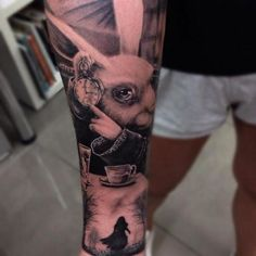 Home - tattoo spirit - Tattoo Alice Wonderland 39 # body art - Alice In Wonderland Tattoo Sleeve, Alice In Wonderland Rabbit, Alice In Wonderland Drawings, Body Art Tattoos, New Tattoos, Sleeve Tattoos, Tattoos For Guys, Cool Tattoos, Tatoos