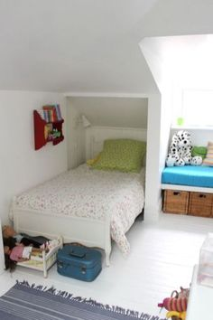 Brilliant Attic bedroom pictures,Attic storage spring hill and Attic renovation company. Attic Bedroom Small, Attic Bedroom Designs, Attic Design, Attic Spaces, Attic Bathroom, Attic Playroom, Small Spaces, Small Rooms, Extra Bedroom