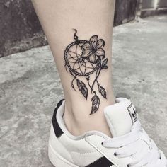 Many people mistake tattoos with more modern, rebellious cultures such as the alternative and pop-culture. Despite a lot of people being convinced that tattoos are a new thing and despite many peop… Small Lily Tattoo, Lily Flower Tattoos, Beautiful Flower Tattoos, Feather Tattoos, Mini Tattoos, Cute Tattoos, Body Art Tattoos, Small Tattoos, Tattoos For Guys