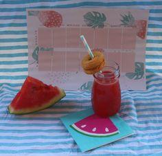 Il blog di El: Estratto di frutta - Anguria e Pesca. #watermelon Plastic Cutting Board, Pineapple, Blog, Fishing, Pine Apple, Blogging