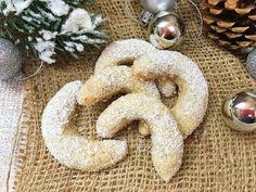 Bestes Vanillekipferl Rezept - Plätzchen für Weihnachten - YouTube Instant Pudding, Gingerbread Cookies, Desserts, Youtube, Food, Butter, Ring, Pastries, Cooking