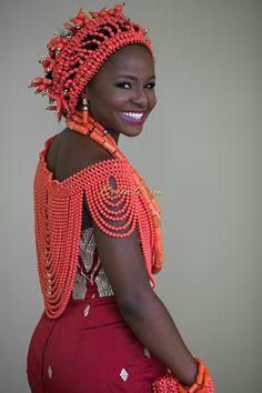 Omonye-Osayande-Seun-Phillips-Libran-Eye-Photography-Traditional-Edo-Yoruba-Lagos-Nigerian-Wedding-Bellanaija-0OSTM-1277.jpg (554×832)