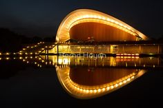 """the pregnant oyster"" von Bernd Hoyen #fotografie #photography #fotokunst #photoart #stadt #städte #city #cities #haus #häuser #house #houses #licht #light #beleuchtung #illumination #gelb #yellow #golden #spiegelung #spiegelungen #reflection #reflections #wasserspiegelung #wasserspiegelungen #nachtaufnahme #nachtaufnahmen #nightshot #nightshots #urban #stadtlandschaft #stadtlandschaften #cityscape #cityscapes #deutschland #germany #berlin"