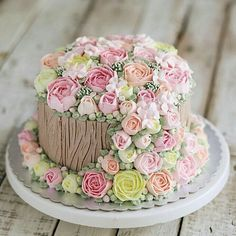 Ideas for birthday cake flower pastel Flores Buttercream, Buttercream Cake, Fondant Cakes, Cupcake Cakes, Beautiful Birthday Cakes, Gorgeous Cakes, Pretty Cakes, Amazing Cakes, Dessert Decoration
