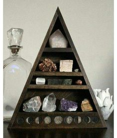 Total DIY crystal 'tree' - can store photos, rocks, gems, trinkets, thimbles… Large Crystals, Stones And Crystals, Wicca Crystals, My New Room, My Room, Crystal Shelves, Crystal Tree, Crystal Box, Crystal Decor