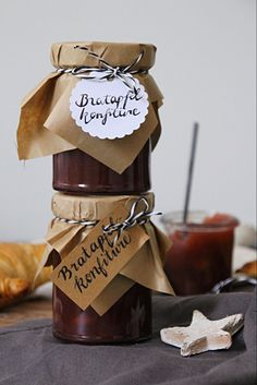 Make the best baked apple jam for Christmas including a recipe - Food Christmas Brunch, Christmas Makes, Chutneys, Christmas Presents For Dad, Christmas Crafts, Pumpkin Spice Cupcakes, Vegetable Drinks, Baked Apples, Your Recipe