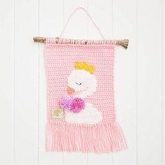Crochet Bat, Crochet Wreath, Crochet Octopus, Crochet Hooks, Crochet Animals, Crochet Ideas, Crochet Wall Hangings, Tapestry Crochet Patterns, Crochet Doll Pattern