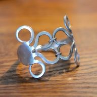 I might also be a little obsessed with fork jewelry and other silverware crafts (although not spoon rings, oddly)...