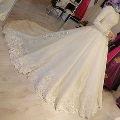 muslim wedding dresses with veil Muslimah Wedding Dress, Muslim Wedding Dresses, Muslim Brides, Hijabi Wedding, White Wedding Dresses, Bridal Dresses, Wedding Gowns, Prom Dresses, Modest Wedding