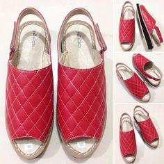 Sepatu Sandal DP 3. size 36-40. warna merah. tinggi: 3cm. bahan kulit sapi. idr…