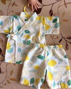 Make a junbei from tea towels! Baby Girl Dress Patterns, Baby Clothes Patterns, Cute Baby Clothes, Toddler Fashion, Kids Fashion, Kids Dress Collection, Kids Nightwear, Baby Kimono, Kids Dress Wear
