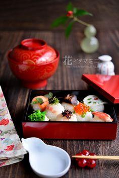 「手毬のお寿司」 in 2020 Sushi Recipes, Wine Recipes, Asian Recipes, New Year's Food, Love Food, Japanese Dishes, Japanese Food, Temari Sushi, Sushi Party