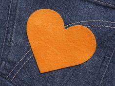 Herz  (Größe L) orange Bügelmotiv Patch 85mm  von Silwarin auf DaWanda.com