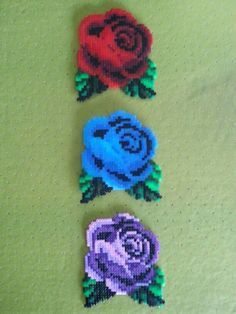 Tres rosas hama mini beads