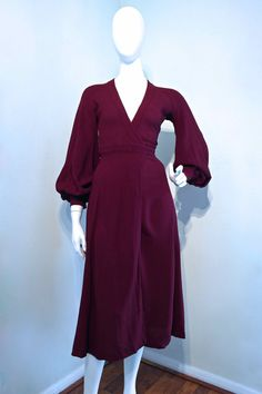 **** THIS DRESS SOLD. DO NOT BUY ************** ☆ DESCRIPTION ☆ Superb late 1960s Ossie Clark Cuddly dress. This dress dates c.1969, and is from the couture line Quorum era which pre-dates the more affordable (at the time) Radley era designs. Ossie went to work at Alice Pollock's Quorum boutique in 1965 and created clothing that was one of the defining looks of the late 1960s. During this period his clientele included many prominent figures of the fashion and music industry and it was the…