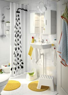 Live more sustainably! Take short showers instead of baths to save water - and save money on your next water bill with more IKEA ideas to reduce water consumption!