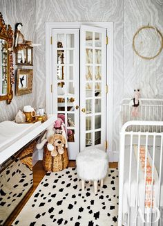 Nate Berkus and Jeremiah Brent share their New York City apartment and daughter Poppy& nursery,