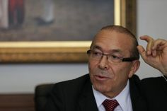 Ministro-chefe da Casa Civil é acusado de ter mantido uma funcionária fantasma em seu gabinete na época em que era deputado federal
