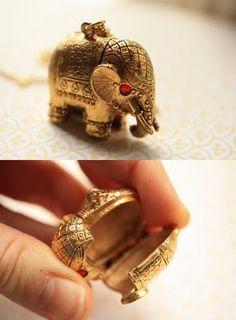 Vintage Elephant Pendant Elephant Stuff, Elephant Love, Elephant Art, Diy Jewelry, Vintage Jewelry, Handmade Jewelry, Elephant Decorations, All About Elephants, Elephant Jewelry