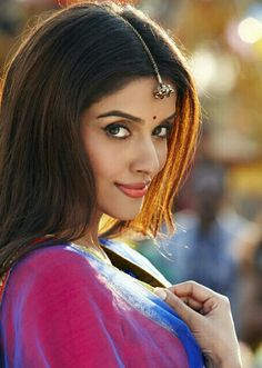 Asin Thottumkai, Bollywood actress who hails from Cochin in Kerala, India Beautiful Bollywood Actress, Most Beautiful Indian Actress, Beautiful Actresses, Cute Beauty, Real Beauty, Hottest Models, Hottest Photos, Actor Picture, Indian Celebrities