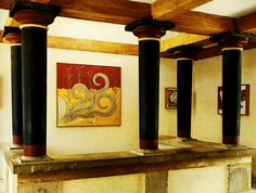 The Minoan cities were connected with stone-paved roads, formed from blocks cut with bronze saws. Streets were drained and water and sewer facilities were available to the upper class, through clay pipes. Show More http://athenspath.com/2014/09/04/minoan-architecture/