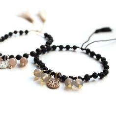 Lavastein Armband black mit Lotus & Achat / Lavastone Charm #yogajewelry