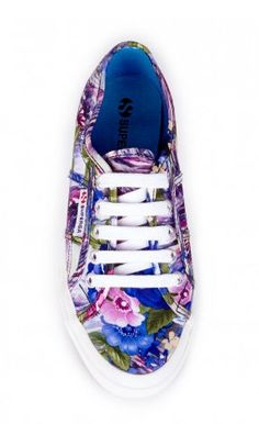 Floral Canvas Sneaker!
