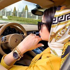 All I want is Versace Luxury Lifestyle Fashion, Rich Lifestyle, Luxury Fashion, Womens Fashion, Mode Abaya, Hijab Fashion Inspiration, Luxe Life, Stylish Girl Pic, Girl Photography Poses