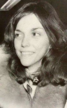 The young superstar, Karen Carpenter. Richard Carpenter, Karen Carpenter, Karen Richards, Perfect Woman, Female Singers, American Singers, Rock Music, Cool Bands, Superstar