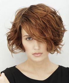 Diversi stili di capelli per over 30: tanti look imperdibili da sperimentare!