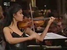 Johann Sebastian Bach, Toccata and Fugue in D Minor performed by Vanessa-Mae
