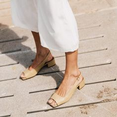 The Affordable Shoe Brand Models, Influencers and Editors All Adore via Source by women shoes Women's Shoes, Me Too Shoes, Flat Shoes, Shoes Sneakers, Moda Fashion, Fashion Shoes, Womens Fashion, Storm Fashion, Fashion Gone Rouge