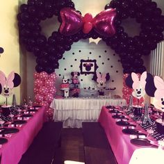 Mickey Mouse Party Decoration Ideas Best Of Minnie Mouse Decor for A Party Minnie Mouse Birthday Decorations, Minnie Mouse Party Decorations, Minnie Mouse Theme Party, Minnie Mouse 1st Birthday, Minnie Mouse Baby Shower, Mickey Party, Mouse Parties, Pirate Party, Minnie Mouse Table