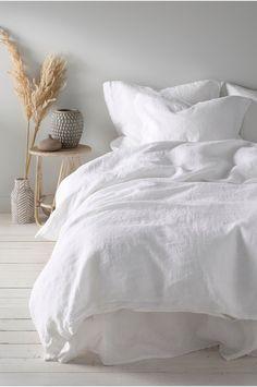 Minimalist Bedroom, Minimalist Home, Bedroom Inspo, Home Decor Bedroom, Design Bedroom, Home Interior, Interior Design, Interior Colors, Design Design