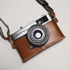 Camera Leather holder/bag for Olympus Trip 35