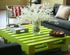 El Glorea. Por encargo (a pedido) mesa de centro moderna de limón verde. Hecha de madera recuperada de la plataforma. Envío gratis.