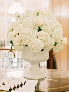 Photography: Amy Arrington Photography - amyarrington.com  Read More: http://www.stylemepretty.com/2014/09/22/autumn-atlanta-estate-wedding/